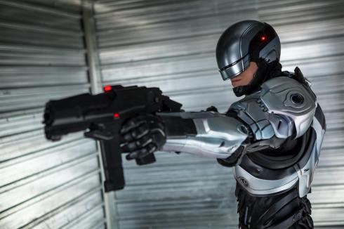 RoboCop-2014-5